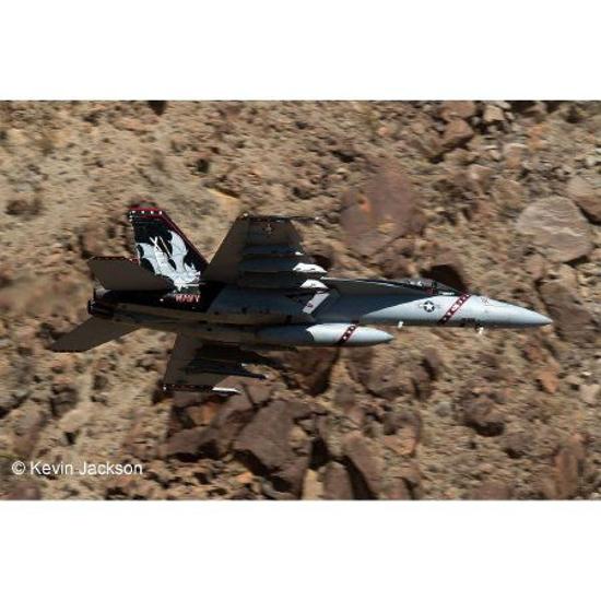 Снимка на Revell F / A 18E Super Hornet 4994