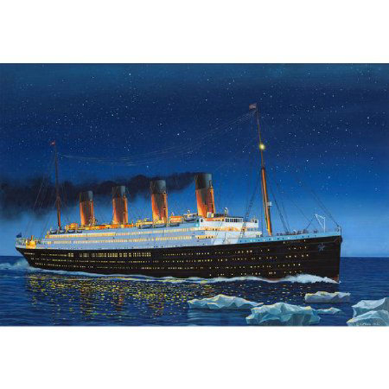 Снимка на Revell RMS Titanic 1: 700 5210
