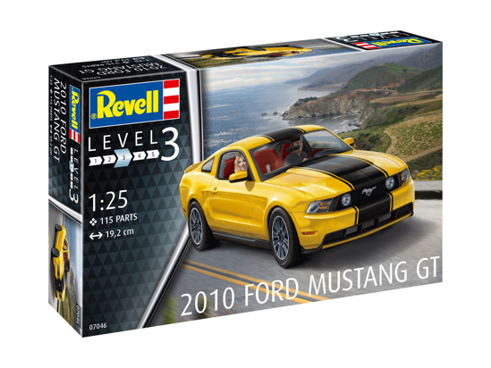 Снимка на Revell 2010 Ford Mustang GT 1:25 7046