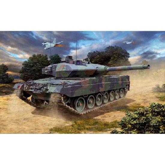 Снимка на Revell Leopard 2 A6 / A6M 1:72 3180