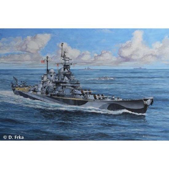 Снимка на Revell Battleship USS Missouri WWII 1: 1200 5128